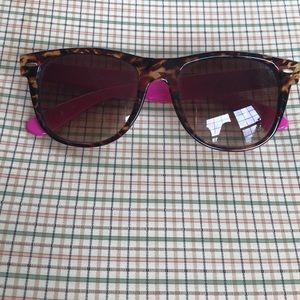 Women's American Eagle outfitters Sunglasses.